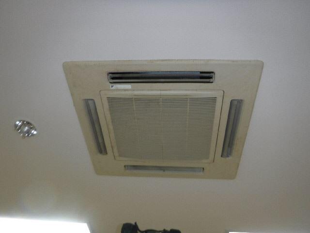 エアコン更新工事前_R