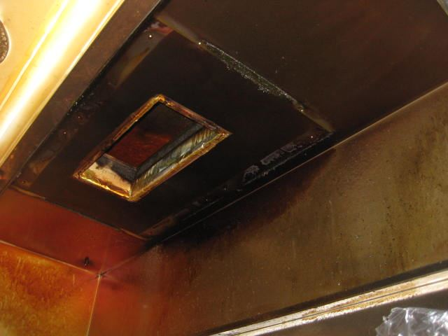 厨房排気系統ダクトフード清掃前_R